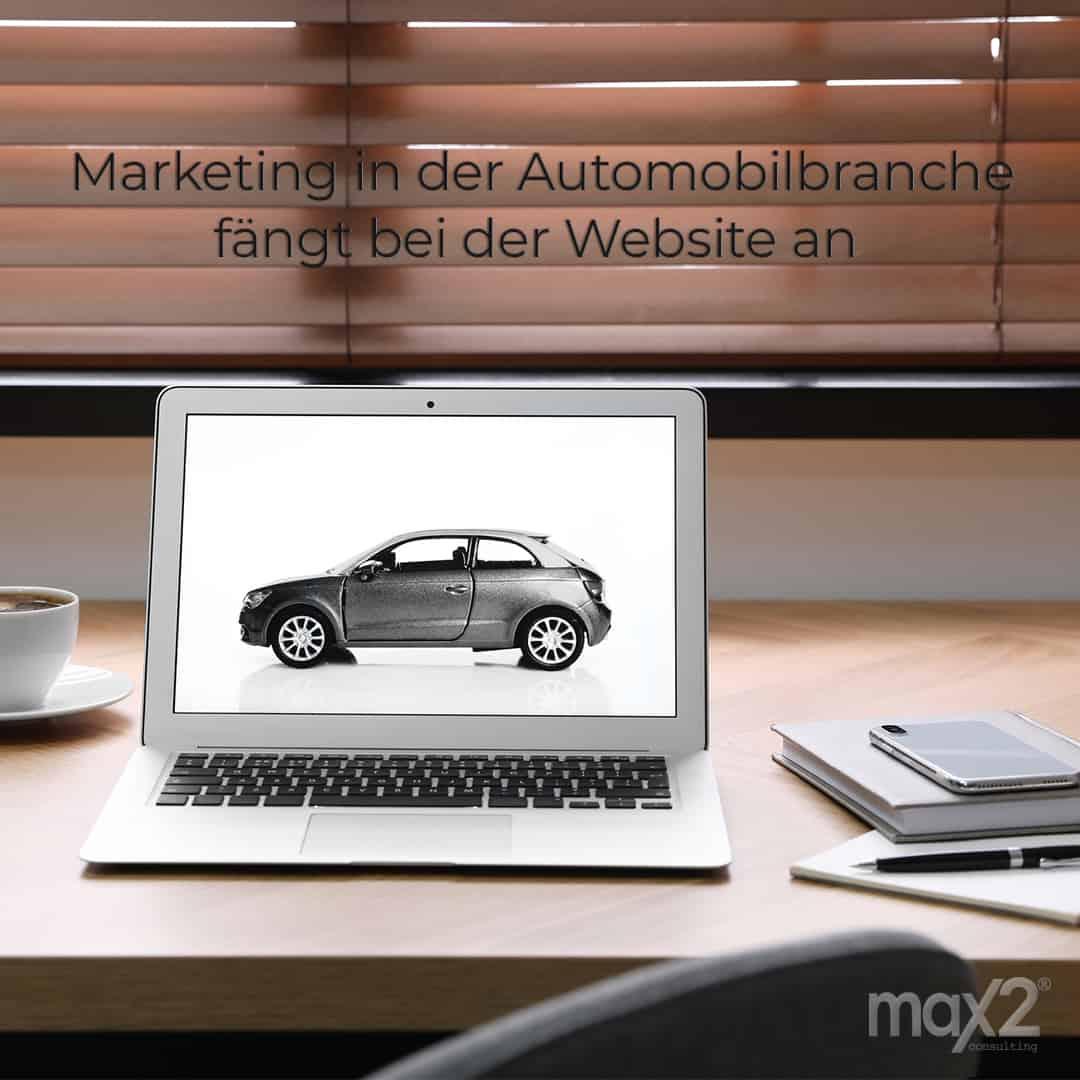 Abbildung Auto auf Laptop